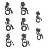 Значки глифа люди с ограниченными возможностями в различных временах и роде Стоковая Фотография