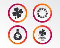 Значки дня St. Patrick Сумка денег с клевером Стоковое Изображение RF