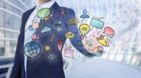 Значки мультимедиа бизнесмена касающие на технологии взаимодействуют Стоковое фото RF