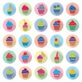 Значки пирожных с плоской тенью бесплатная иллюстрация