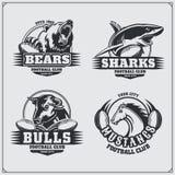 Значки футбола, ярлыки и элементы дизайна Эмблемы спортивного клуба с медведем, акулой, быком и лошадью Стоковое фото RF