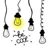 Значок лампочки вектора с концепцией идеи Знак Doodle нарисованный рукой Стоковое Изображение