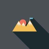 Значок горы туристский плоский с длинной тенью Стоковые Изображения