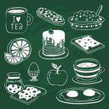 Значок завтрака установил при различные продукты нарисованные на доске Стоковая Фотография
