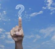 Значок знака вопросительного знака отжимать руки над небом Стоковое Изображение