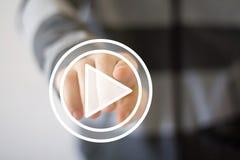 Значок кнопки игры прессы руки бизнесмена Стоковое Изображение RF