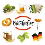Значок Oktoberfest установил с шляпой, аккордеоном, сосиской, кренделем, хмелями, флагом и кружкой пива Стоковое Изображение RF