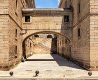 зодчество Испания стародедовская аркада стоковое изображение rf