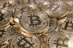 Золотая валюта Bitcoin цифровая Стоковые Фотографии RF