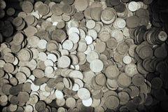 Золотая монетка и старая монетка Стоковые Фотографии RF