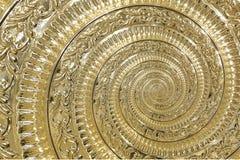 Золотая фракталь картины предпосылки спирали конспекта металла Декоративный элемент орнамента Золотой металлический декоративный  Стоковое Фото