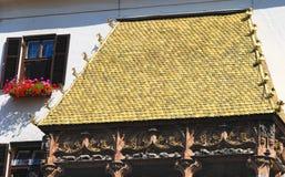 золотистая крыша стоковая фотография