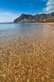 Золотистая морская вода в Tenerife, Испании Стоковые Изображения RF