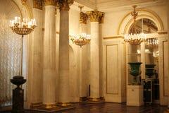 золотистая обитель залы стоковые изображения rf