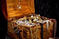 Золотистая предпосылка ювелирных изделий Стоковая Фотография RF