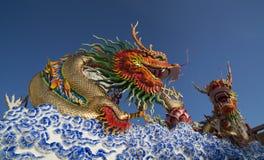 Золотистая статуя дракона Стоковое Изображение