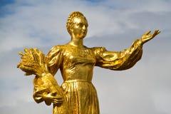 Золотистая статуя Стоковое Фото