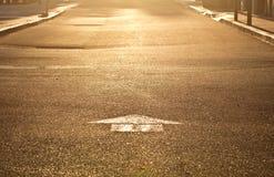 Золотистая стрелка улицы утра Стоковая Фотография