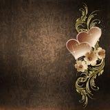 Золотистая флористическая картина с сердцами на предпосылке grunge Стоковое Изображение RF