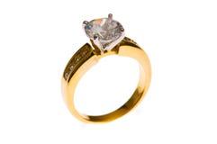 золотистое изолированное кольцо стоковые фотографии rf
