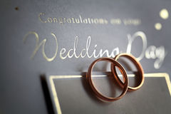 золотистые кольца открытки Стоковое Изображение RF