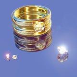 Золотистые кольцо и brilliants Стоковое Фото