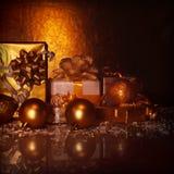 Золотистые присутствующие коробки Стоковая Фотография