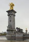Золотистый Александр третий мост, Париж Стоковые Изображения
