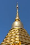 золотистый висок Таиланд крыши Стоковая Фотография RF