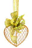 золотистый зеленый провод тесемок сердца Стоковое Изображение