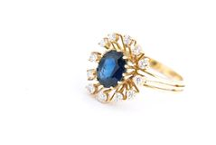 золотистый сапфир кольца Стоковое фото RF