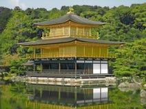 золотистый японский павильон Стоковое фото RF