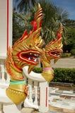 Золотистый Naga (дракон) в виске Chalong Стоковая Фотография RF