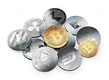 золотое bitcoin и стог различных cryptocurrencies иллюстрация вектора