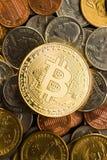 Золотое Bitcoins Цифров Cryptocurrency Стоковое Изображение