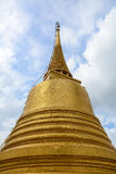 Золотое Stupa на Wat Saket в Бангкоке, Таиланде Стоковые Изображения