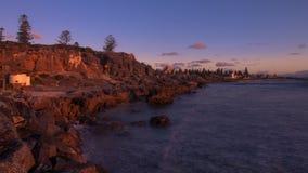 Золотое timelapse захода солнца на пляже Cottesloe, Перте, западной Австралии видеоматериал