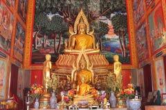 Золотой Будда в церков стоковые изображения