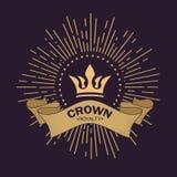 Золотой вектор кроны Линия дизайн логотипа искусства Винтажный королевский символ силы и богатства Изогнутая лента для текста Луч иллюстрация вектора