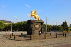 Золотой памятник Goldener Reiter всадника Augustus сильный des Starken в августе - Saxon и польский король, Дрезден, Саксония Sac стоковое фото