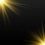Золотой световой эффект на темной предпосылке яркие пирофакелы абстрактные лучи золота предпосылки Волшебный взрыв sunlight Свет  Стоковое Изображение RF