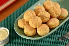 Золотой сыр обваливает шарики в сухарях Стоковое Фото