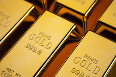 Золото в слитках крупного плана стоковые фотографии rf