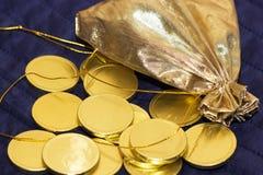 золото монеток шоколада мешка Стоковые Фото