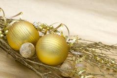 золото рождества шариков Стоковая Фотография