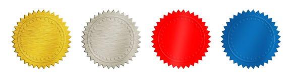 Золото, серебр, красные и голубые монетки или медали стоковые фото
