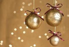 золото 3 рождества шариков стоковое фото rf