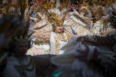 Золотые костюмы фантазии в параде масленицы стоковые изображения rf