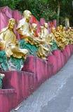 Золотые статуи Будды на 10 тысяч монастыре Buddhas, Гонконге Стоковое Фото