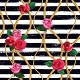 Золотые цепи веревочки, подняли безшовная картина Текстура моды руки акварели вычерченная стоковая фотография rf